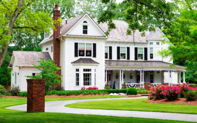 4 Reasons To Buy an Old House