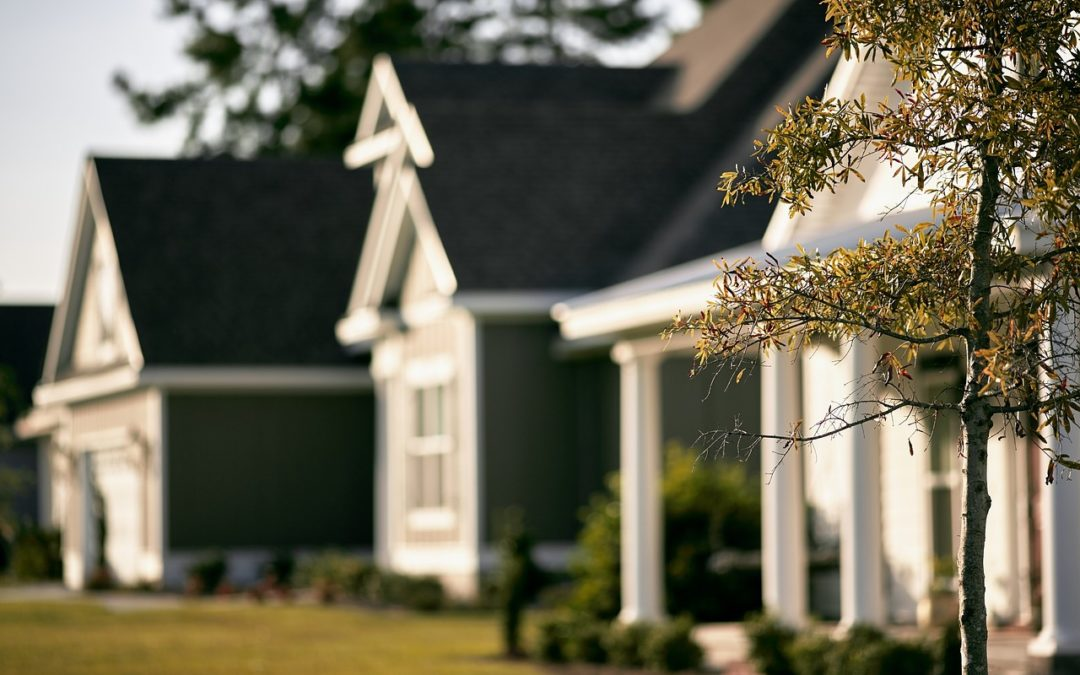 The Pros & Cons of Buying a Home Inside a Gated Community